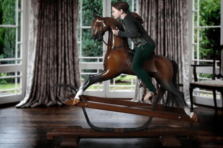 antiqued-oak-rocking-03-min