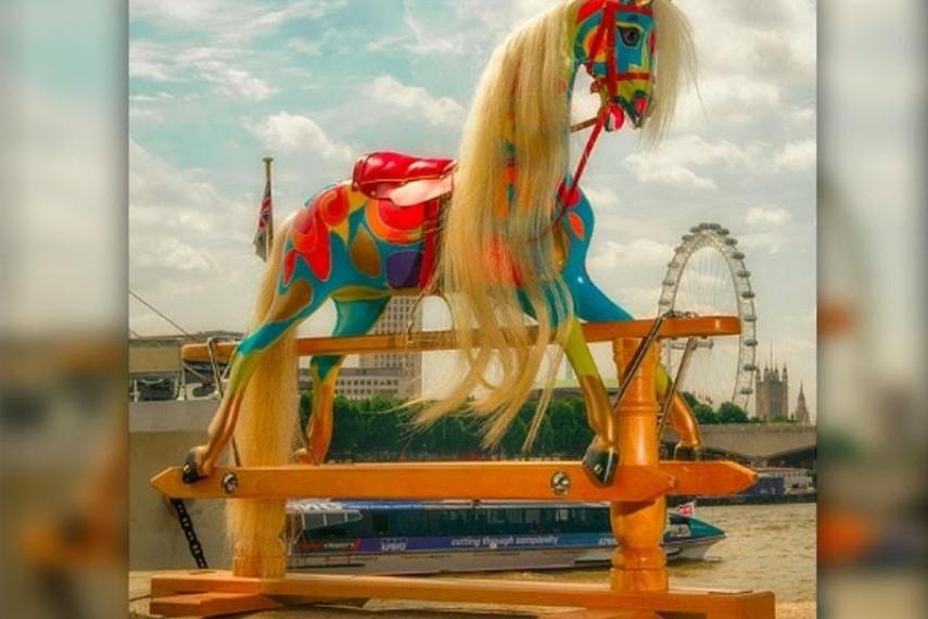 joanna-lumley-horse-2-min