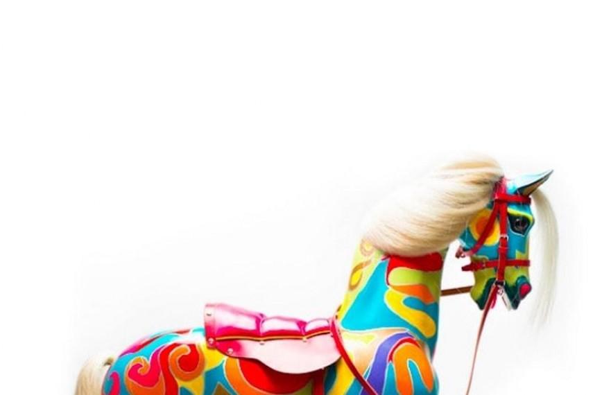 joanna-lumley-horse-min