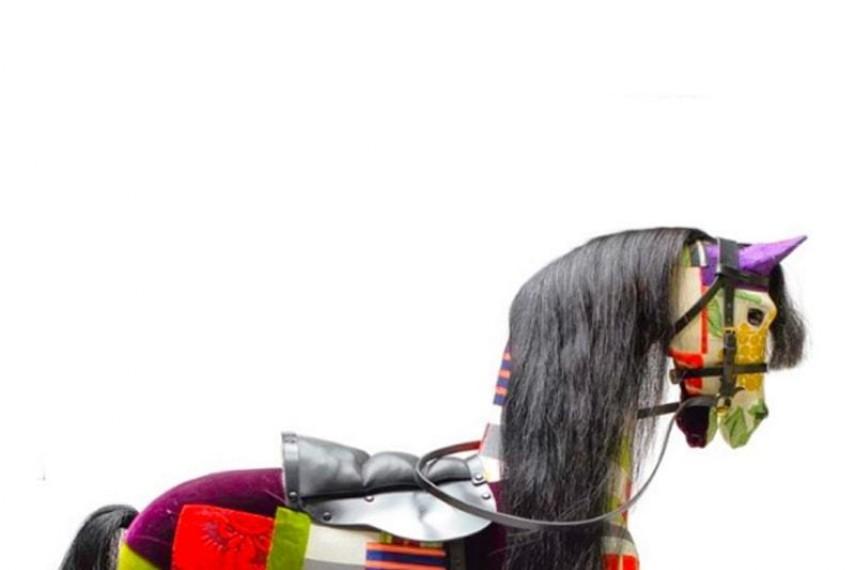 lisa-whatmore-horse-min
