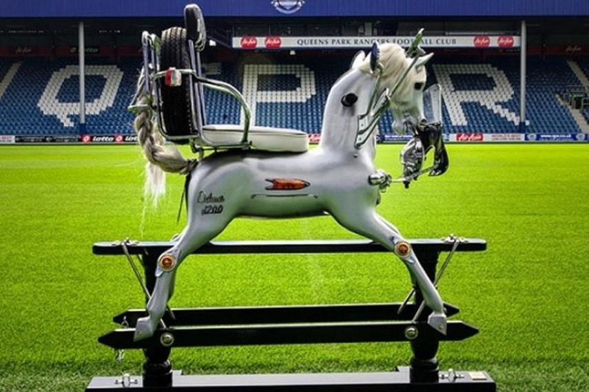 stephen-webster-horse-2-min